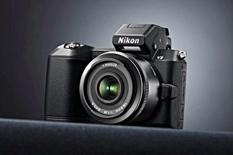 Фотоаппарат NIKON 1 V2 Невероятно быстрый